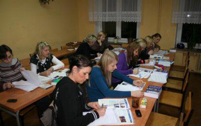 """""""Kreatywny pracownik"""" 10.2010 – 02.2012"""